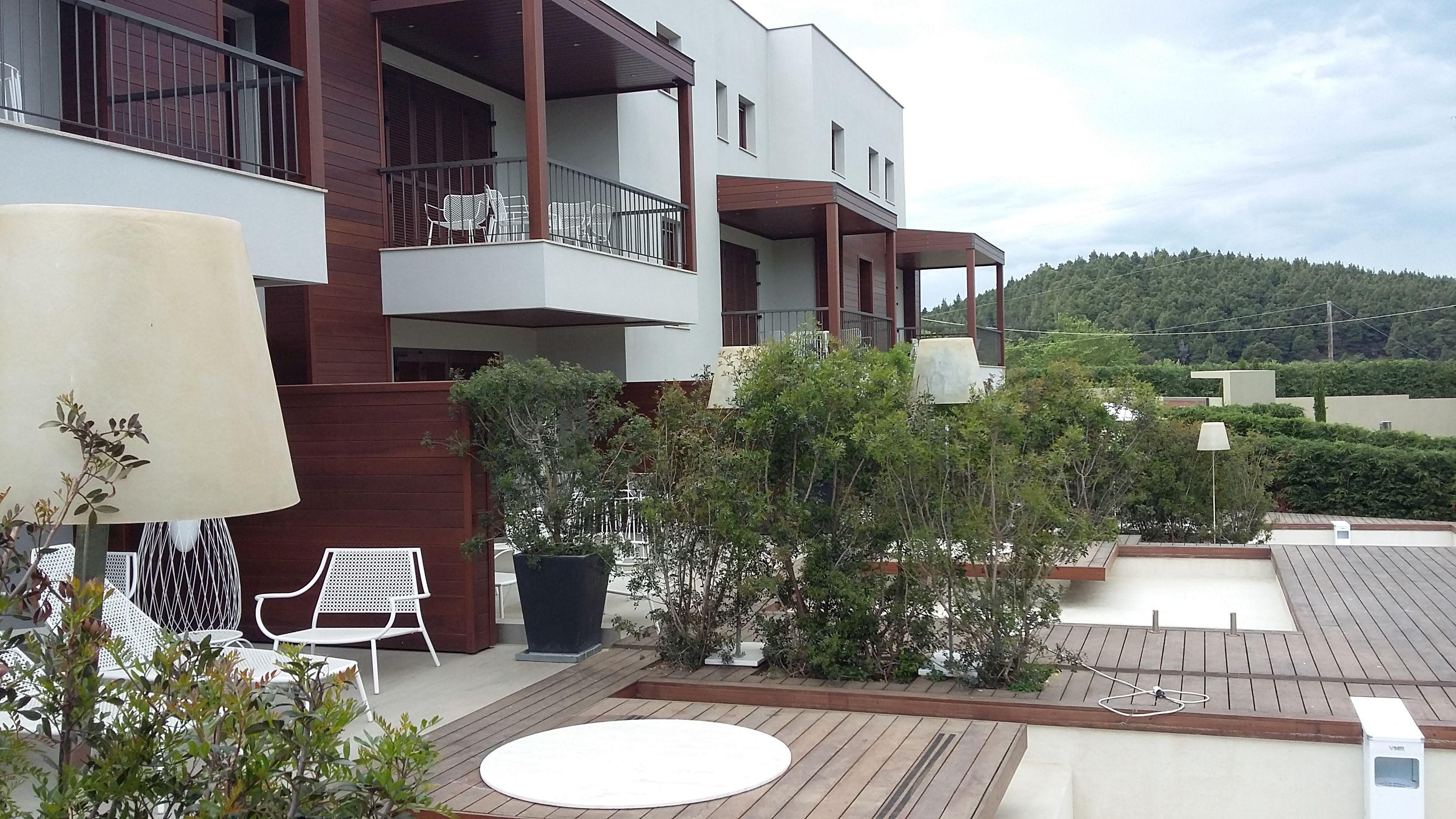 Ανακαινιση Avaton Luxury Resort